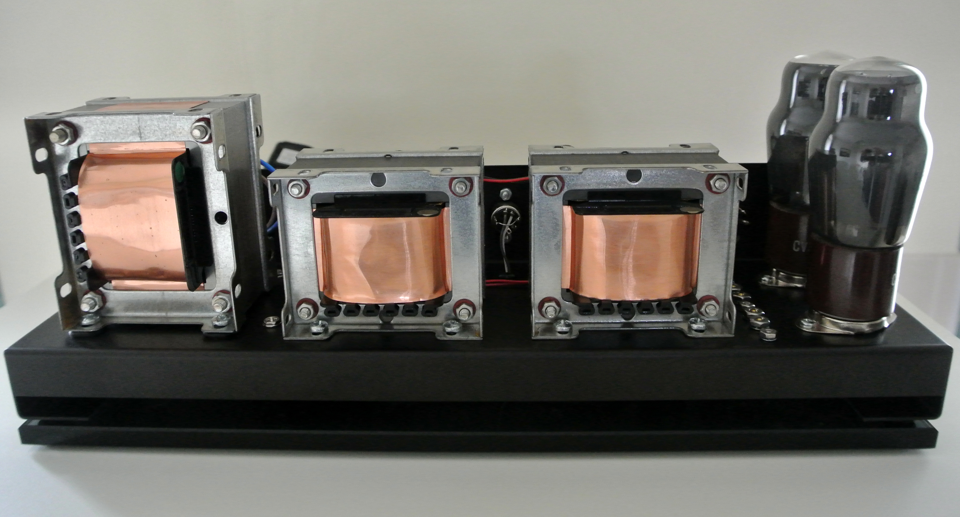 6V6 Tube Amplifier Set on Glass Plinth